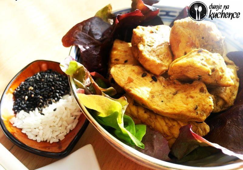 Kurczak orientalny z czarnym sezamem