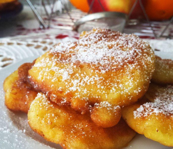 Klasyczne placuszki z jabłkami