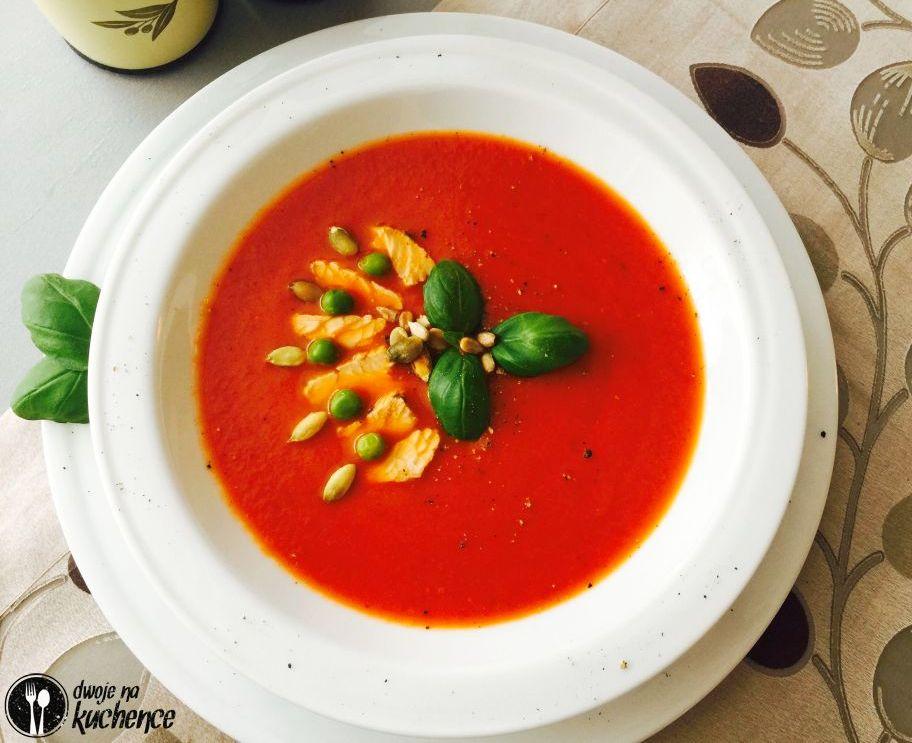 Zupa krem z pomidorów z aromatycznym indykiem