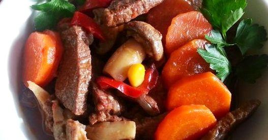 Wołowina pikantna z grzybami i warzywami