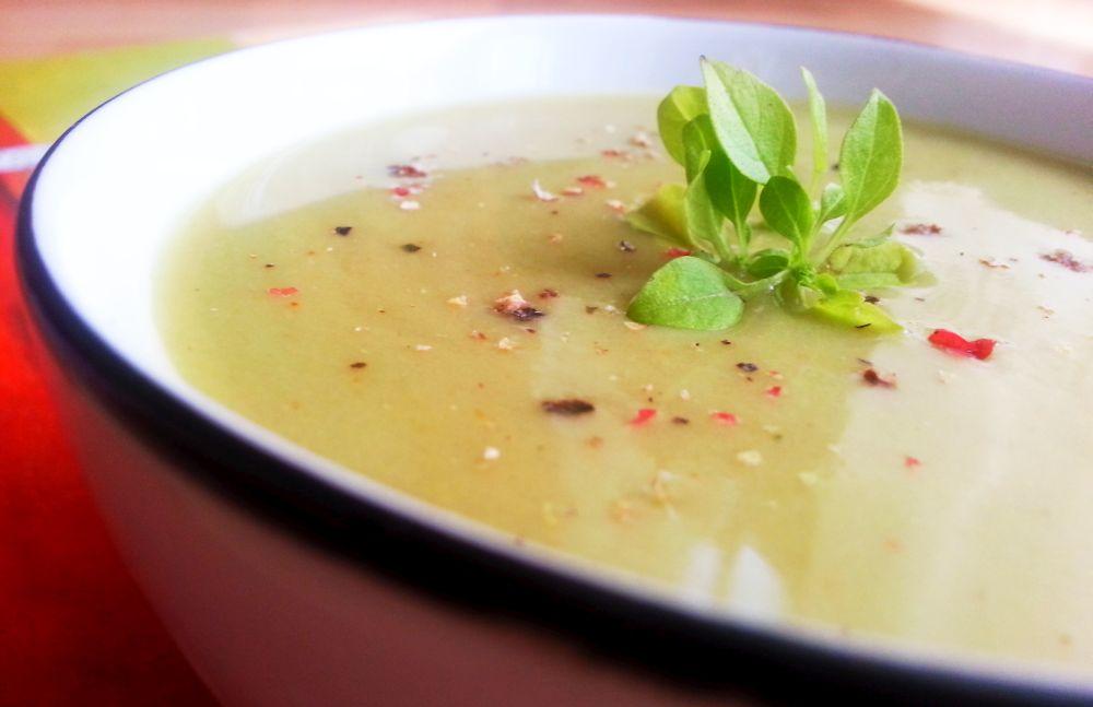 Zupa krem z bobu i sałaty lodowej