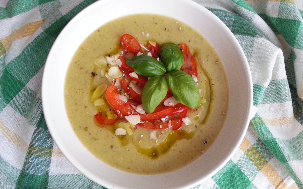 Aksamitna zupa krem ziemniaczana z grillowaną papryką
