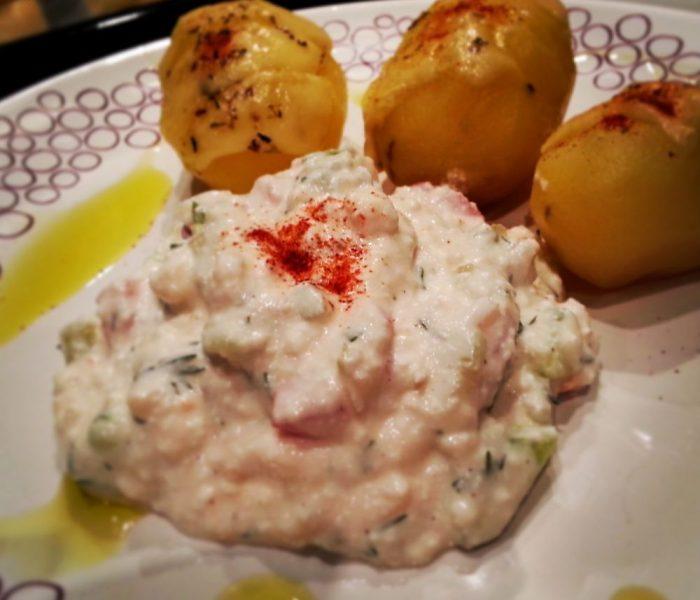Pyry z gzikiem (młode ziemniaki z twarożkiem)