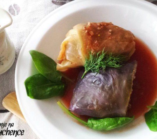 Gołąbki z mięsem w sosie pomidorowym – z kaszą jaglaną lub ryżem