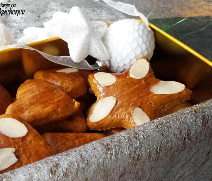 Pierniczki całuski z migdałami – na święta i nie tylko