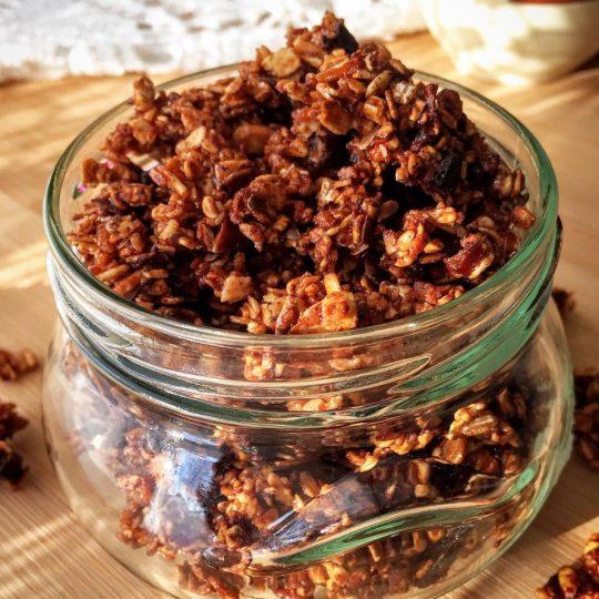 Granola czekoladowa, czyli domowe musli crunchy na śniadanie