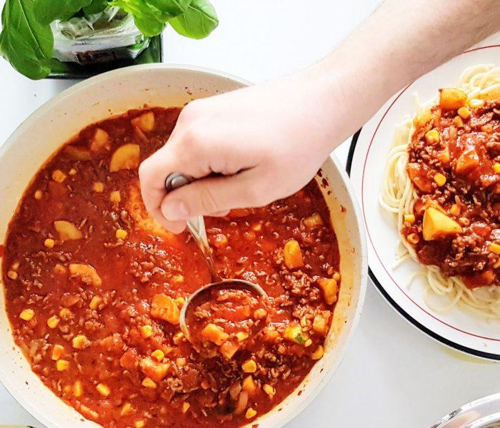 Szybkie spaghetti z wołowiną i cukinią