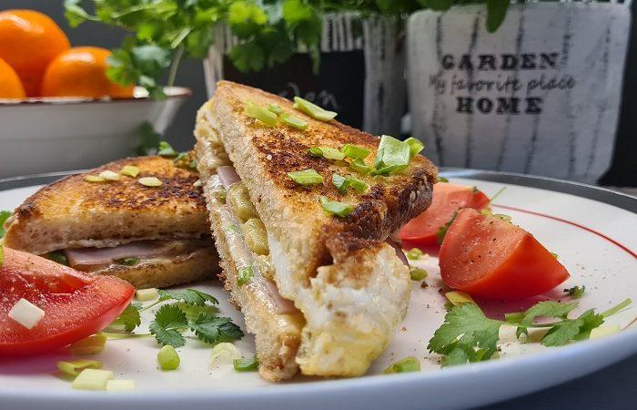 Tosty z jajkiem, serem, szynką – idealne tosty na śniadanie!